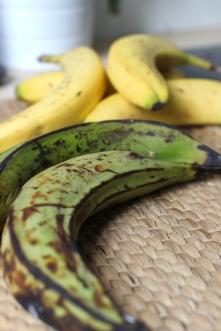 Unripe green plantains/©dariasdiaries