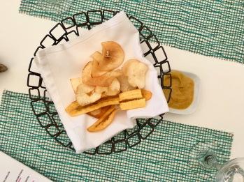 Sweet potato and cassava snacks/©dariasdiaries