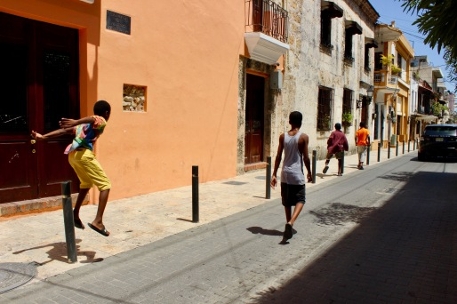 Children playing in the Colonial Zone/©dariasdiaries